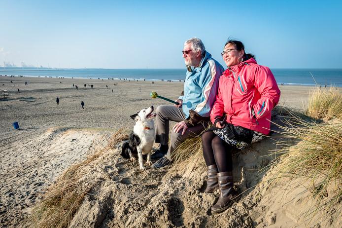 Op het strand van Hoek van Holland is het goed toeven vandaag.
