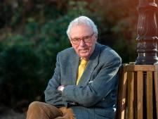 92-jarige filosofiedocent uit Oosterbeek immens populair: 'Ze bellen me haast elke dag'