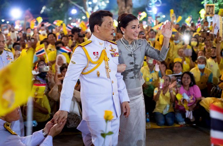 In reactie op de protesten is Vajiralongkorn al weken in Thailand. Normaal gesproken verblijft hij in Duitsland. Beeld AP