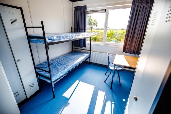 Een van de kamers in het azc Hardenberg aan de Jachthuisweg.