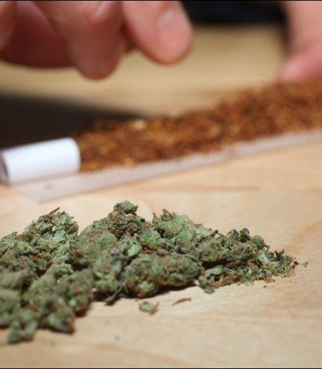 Acheter du cannabis sur Snapchat? Aussi simple que de commander une pizza sur Deliveroo