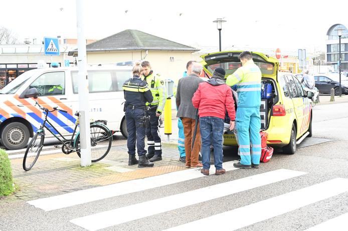 Een fietser is gewond geraakt na een aanrijding met een auto in Nijmegen.