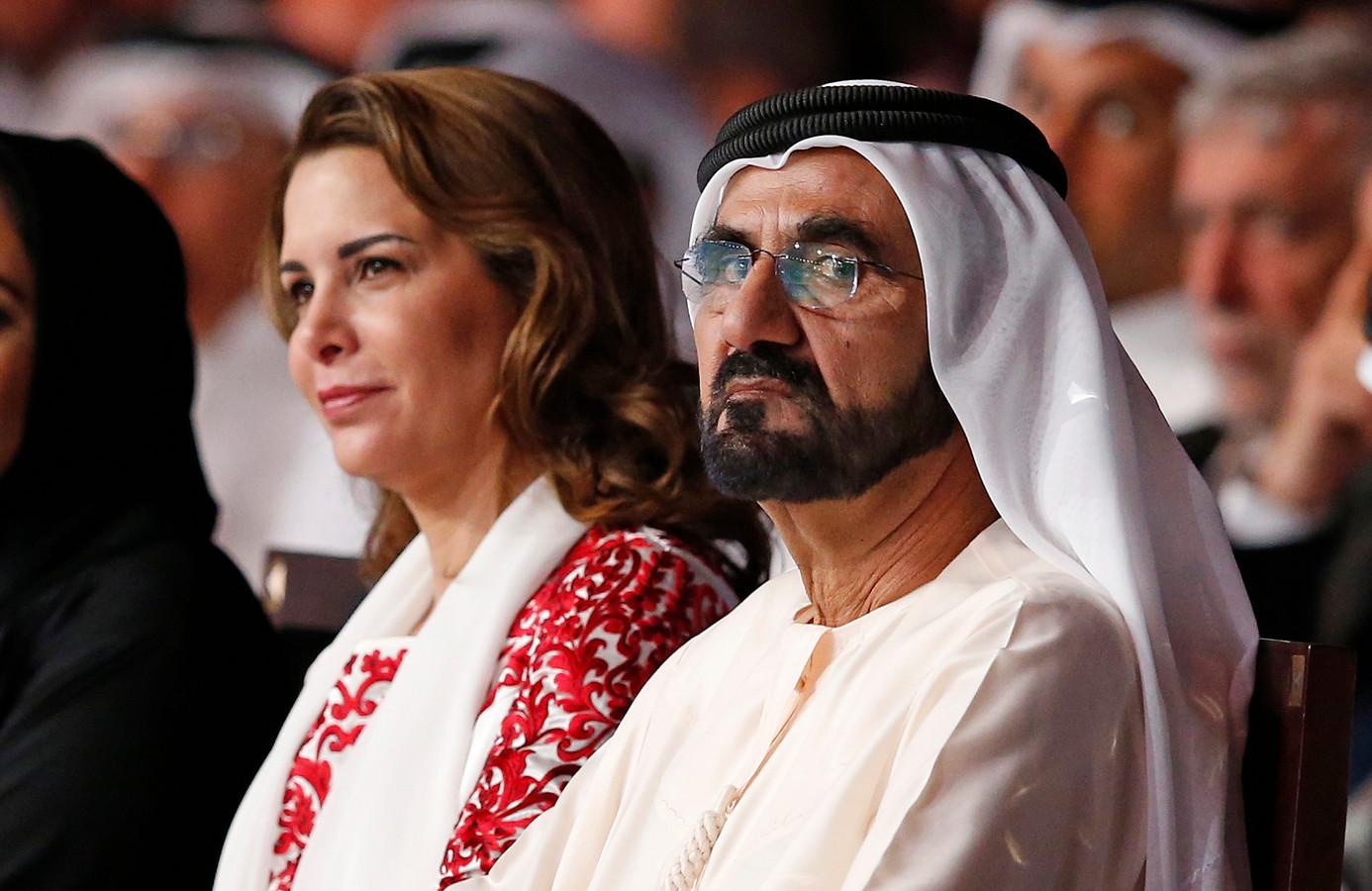 De emir van Dubai en zijn ex-vrouw prinses Haya, die al sinds 2019 op de vlucht is.