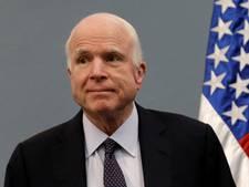 Zieke McCain toch naar Washington om stem over zorgwet uit te brengen