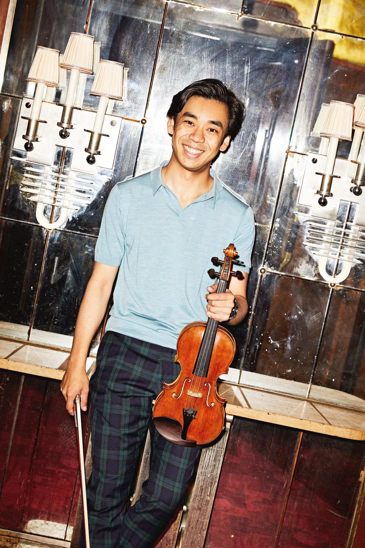 Artist in Residence violist Shin Sihan Beeld Marie Wanders