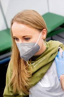 LIVE | 483 mensen besmet door Koningsdag Amsterdam, boete dreigt voor verplichten mondkapje Texas