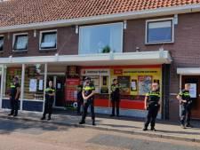 Politie verzegelt Twentse supermarkt na opening ophaalpunt, eigenaar is woest