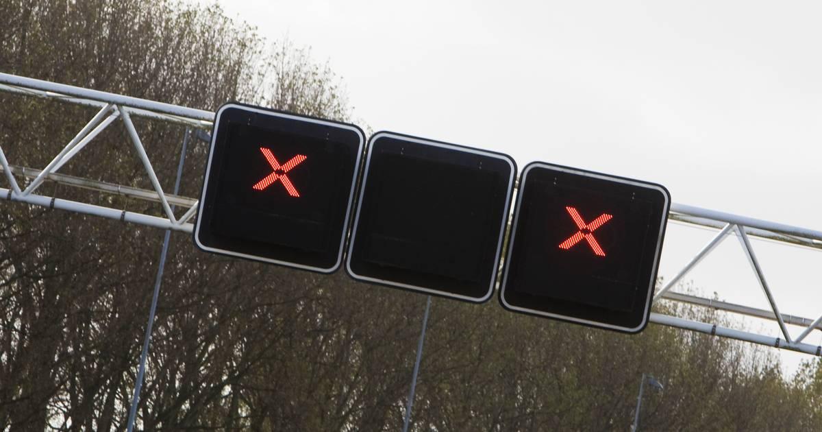 N279 gesloten bij Veghel door ongeluk met vrachtwagen.