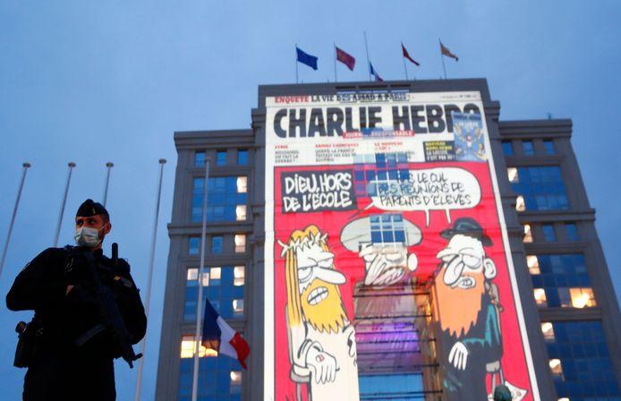 Na de aanslag op Samuel Paty werd op Franse overheidsgebouwen cartoons getoond. VVD Den Haag wil ook zo'n statement maken in de stad