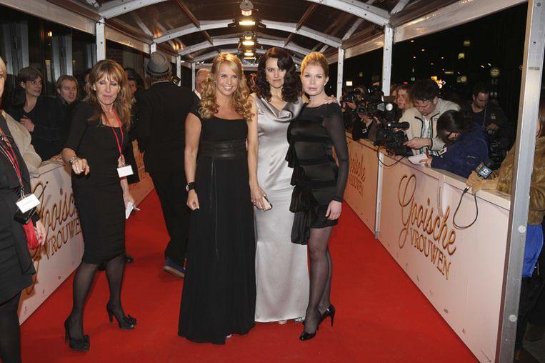 Hoofdrolspelers Linda de Mol (Cheryl), Susan Visser (Anouk) en Tjitske Reidinga (Claire)<br /> Beeld