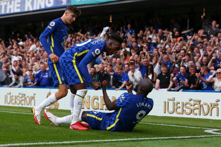 Titelhouder Chelsea heeft zich versterkt met spits Romelu Lukaku (liggend). Beeld Getty Images