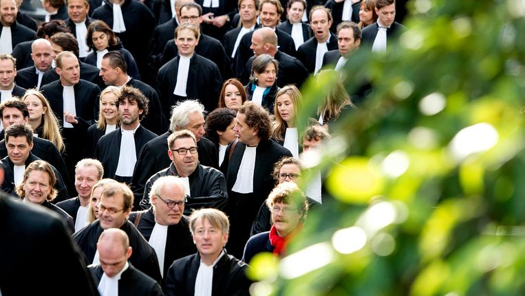 Advocaten protesteren tegen bezuinigingen in 2013. Beeld anp