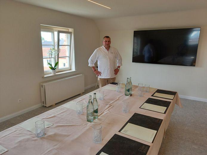Chef-kok Frederiek Vandenbussche in een van de nieuwe vergaderzalen