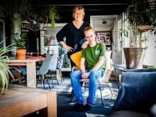 Marijke wil dat autistische zoon Rowan (27) op zichzelf gaat: 'Maar op zorg is laatste jaren flink bezuinigd'