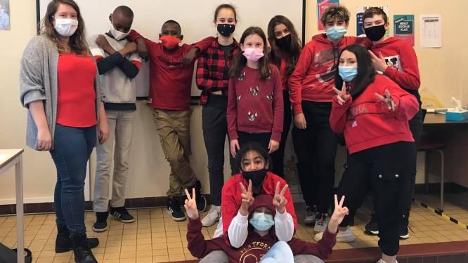 Leerlingen Atheneum komen in het rood naar school voor Rode Neuzendag