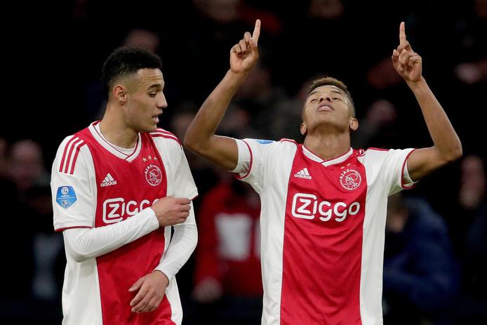 David Neres maakte de 2-0 en 3-0 van Ajax.