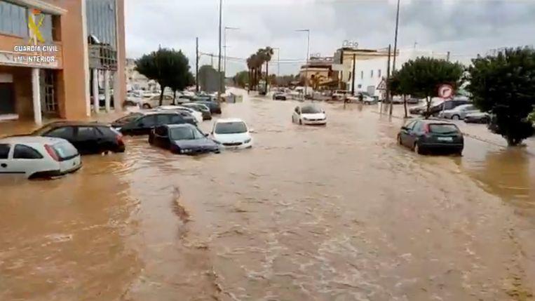 Straten staan helemaal blank in Huelva. Beeld via REUTERS