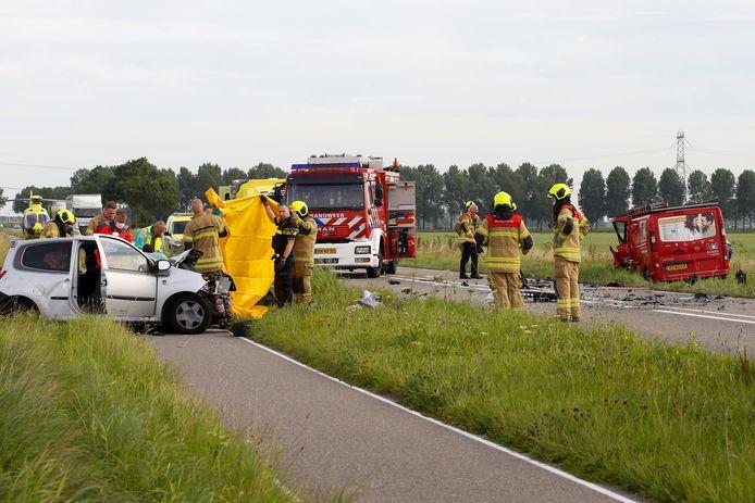 Meerdere hulpdiensten werden opgeroepen na het ongeluk.