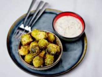 Krokante spruitjes met yoghurtdip van Sandra Bekkari