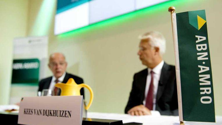 ABN AMRO topmannen Gerit Zalm (L) en Kees van Dijkhuizen tijdens de presentatie van de halfjaarcijfers Beeld anp