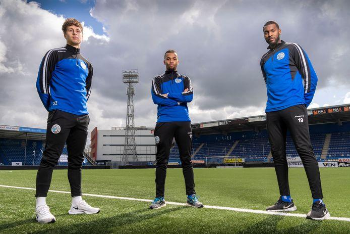 De drie internationals van FC Den Bosch. Van links naar rechts: Frank Sturing (Canada), Ryan Trotman (Barbados) en Lorenzo Soares Fonseca (Kaapverdië).
