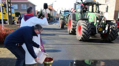 Even bijtanken op tractorwijding