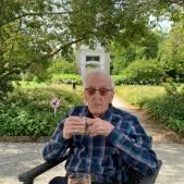 De plichtsgetrouwe Cok had een ijzeren geheugen: 'U woonde vroeger aan de Merwedekade, nummer 35'