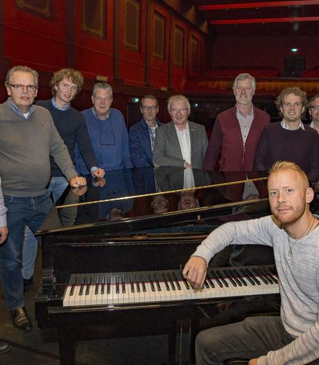 Meezingen met de Twente Zangers Rijssen in nieuw koor
