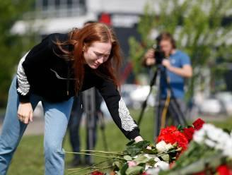 Russen rouwen om vermoorde kinderen en heldhaftige juf na schietpartij in school, nog 23 slachtoffers in het ziekenhuis