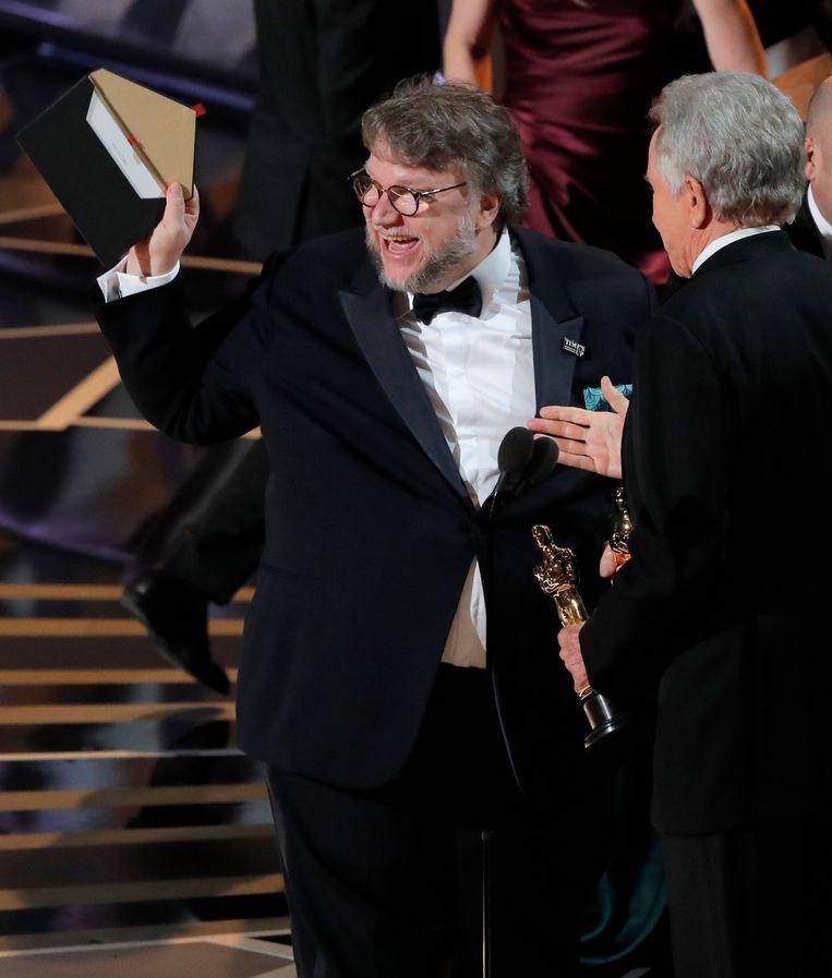 Guillermo del Toro won met 'The Shape of Water' de Oscar voor beste regisseur én voor beste film Beeld REUTERS
