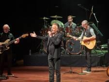 Een paar tonen Una paloma blanca en de zaal in Uden gaat los bij optreden George Baker
