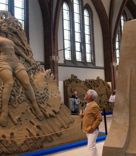 Al veel bezoekers voor zandsculpturen in Antoniuskerk Oosterhout