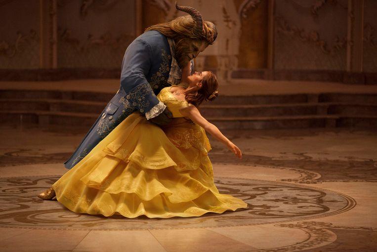 Emma Watson als Belle and Dan Stevens als het Beest in 'Beauty and the Beast', een remake van de Disney-klassieker. Beeld UNIT