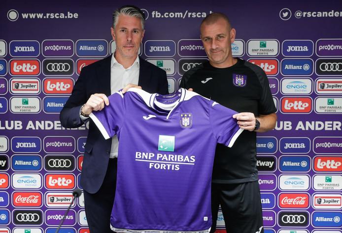 La saison a officiellement démarré ce lundi au Sporting d'Anderlecht. Avec un premier entraînement ce matin et la présentation de Simon Davies, mais aussi des nouveaux maillots cet après-midi.