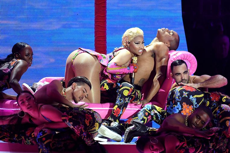 Nicki Minaj op het podium bij de MTV Europe Music Awards 2018.