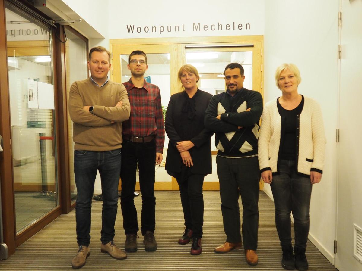 Alexander Vandersmissen met 'Pleinmakers' Jochen De Bock, Erika Roelands, Mustapha Lahrach en Jenny Harzé.
