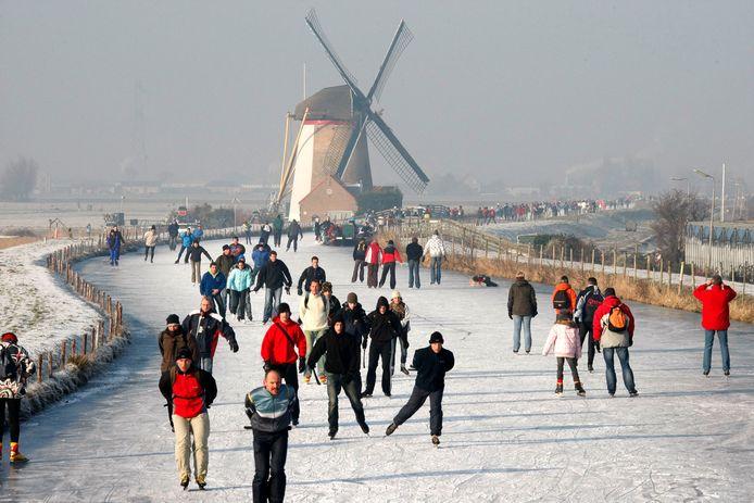 De Westland Toertocht in 2009, georganiseerd door de schaatsverenigingen in Schipluiden, Maasland en het Westland. De tocht door Midden-Delfand en het Westland werd in 2012 voor het laatst gehouden.