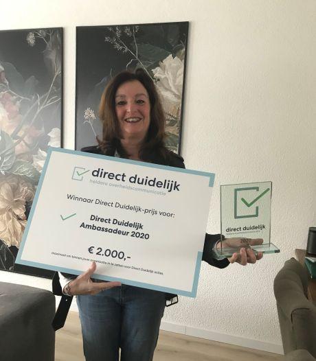 Communicatieadviseur Hetty de Kruijff van Hof van Twente krijgt landelijke prijs voor 'duidelijke' taal