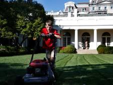 Frank (11) voor een dag Trumps tuinman