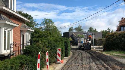 """Nieuw wegdek en eindelijk riolering voor Vossevelden: """"Werken zijn klaar tegen einde 2020"""""""