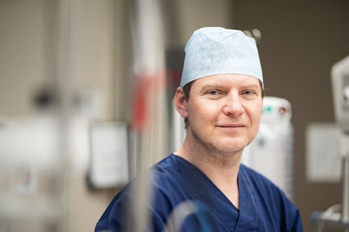 Prof. dr. Tomas Menovsky.