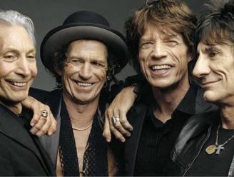 Rolling Stones waren niet op begrafenis van drummer Charlie Watts, maar maken wel tong-logo zwart
