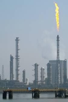 Brandweer dicht lek bij Dow, kleine hoeveelheid ethyleen ontsnapt