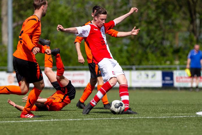 Hidde Maas in actie tegen Maarheeze vorig seizoen.