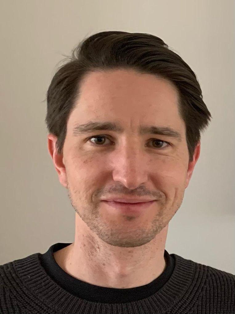Martijn Simons is romanschrijver en docent Nederlands en ziet kunst ook als methode voor zelfonderzoek. Beeld