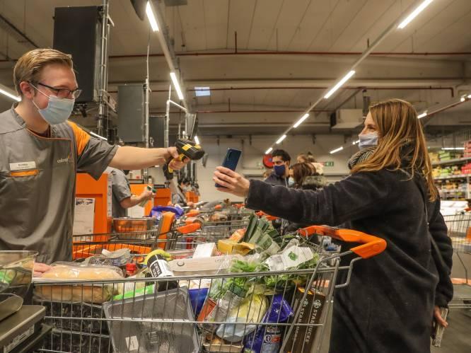 Supermarkten vervangen plastic klantenkaart steeds meer door apps: waar scoor je het meeste korting, wat zijn de andere voordelen én is het wel veilig?