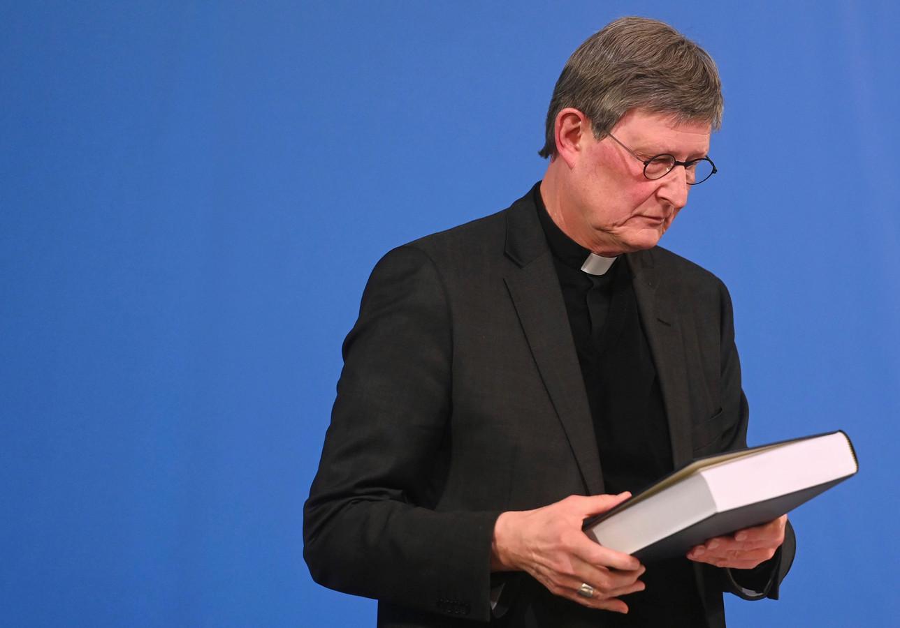 Kardinaal Rainer Maria Woelki na de inontvangstname van het rapport over de ruim 300 misbruikzaken in zijn bisdom, medio maart.