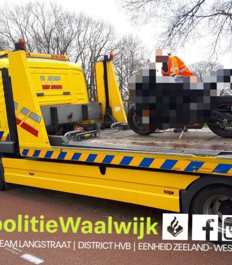 Waalwijkse motorrijder rijdt 130 kilometer in bebouwde kom: rijbewijs en motor kwijt