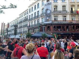 """IN BEELD. Supporters beleven overwinning van Rode Duivels mee: """"Het gevoel van voor corona is terug. Zalig!"""""""