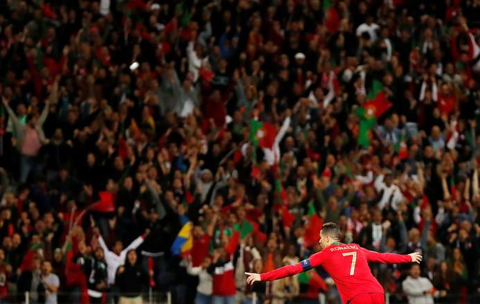 La machine Ronaldo a encore frappé. Le Portugal s'est qualifié pour la finale de Ligue des Nations mercredi soir à Porto grâce à son succès 3-1 contre la Suisse en demi-finale de cette toute nouvelle compétition. Auteur d'un triplé, Cristiano Ronaldo a marqué cette rencontre de son empreinte.